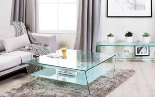 Стеклянный-стол-5-825x550